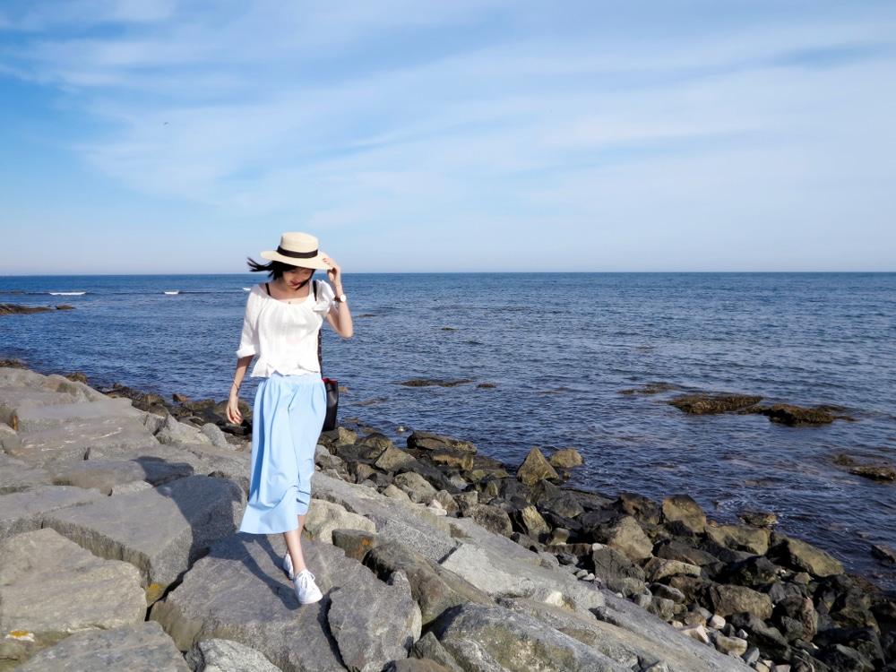 Enjoy a beautiful walk along the Newport Cliff Walk This Summer